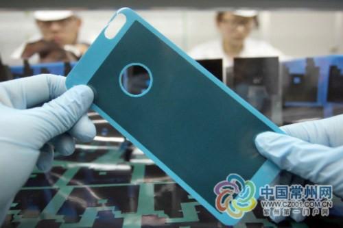 石墨烯手机贴膜首发:降温防辐射