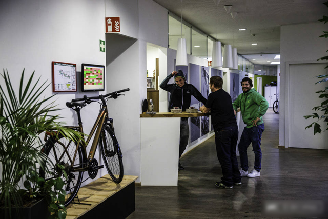 探秘:欧洲最大自行车制造商 参观CUBE总部工厂
