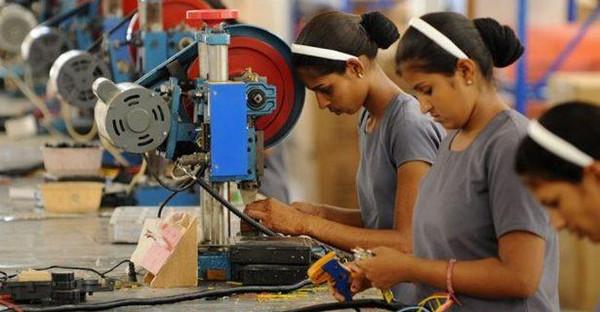 """""""印度制造""""只能和""""中国制造"""" 错位竞争"""