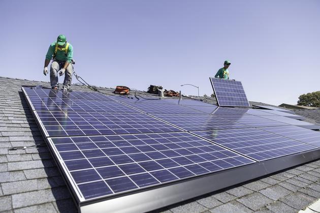 马斯克的清洁能源梦:让电动汽车用上太阳能
