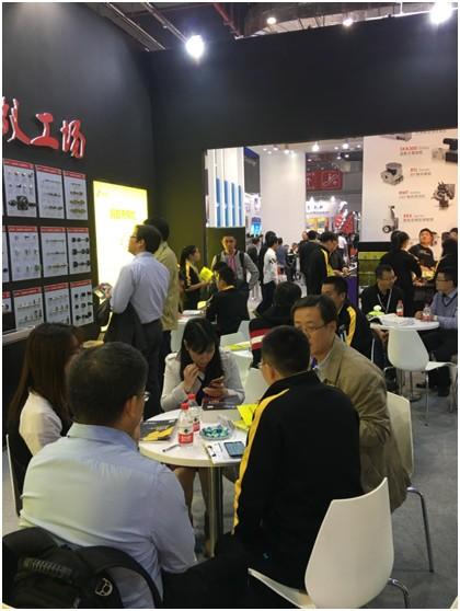 蚂蚁工场亮相工博会 引领自动化行业新模式