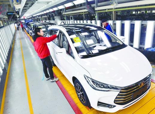 """新能源车""""军团""""正驶向世界"""