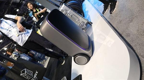 小米发布智能旅行箱:两个轮子跟着你跑