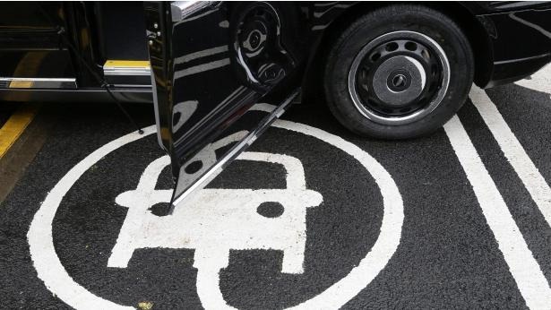 两家公司在欧打造电动车充电网络 助力电动车推广