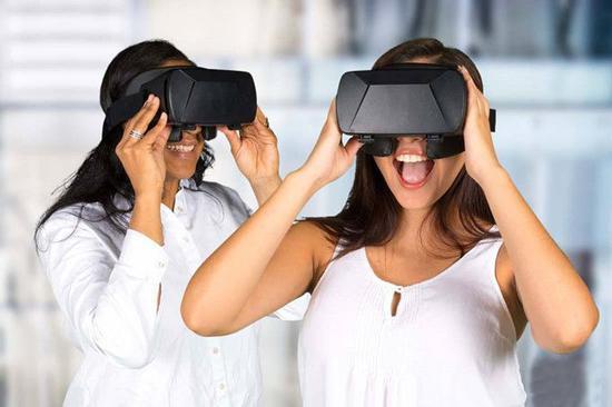 1984年便售卖VR头显的VR之父-杰伦·拉尼尔 如何看待VR的未来