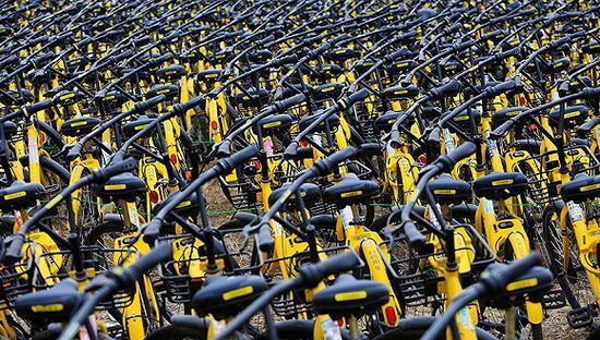 【惊现】南京共享单车死城 堪称单车的坟场