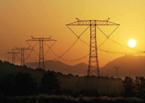 """建设特高压电网 加快推进""""外电入鲁"""""""