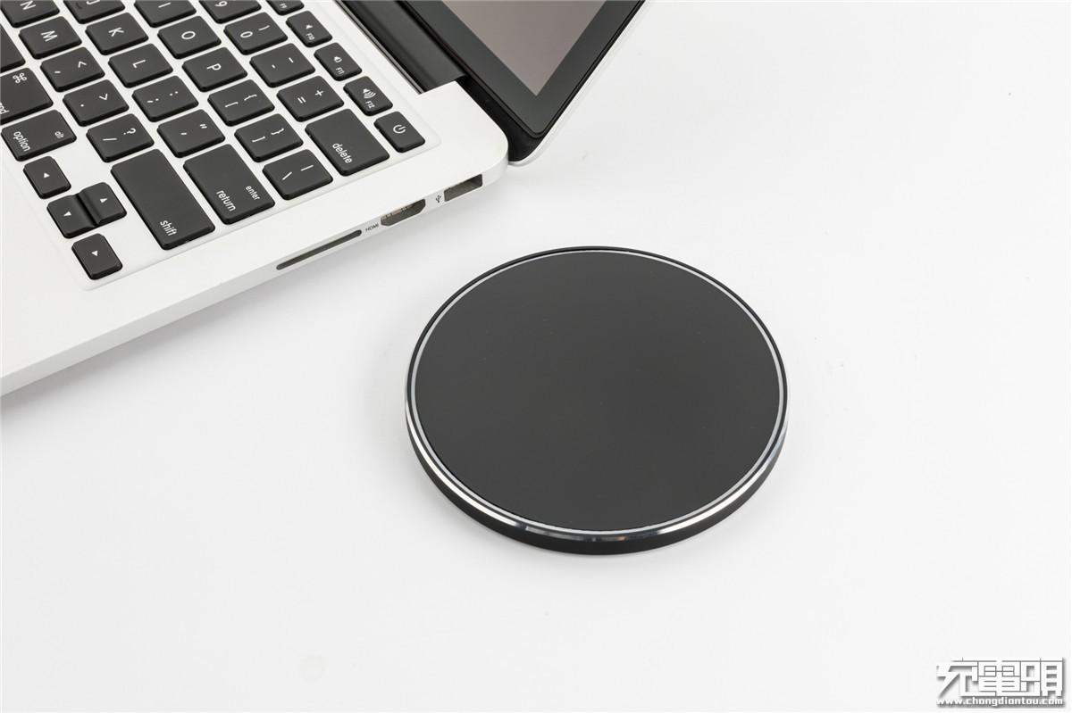 """自带""""呼吸"""":KunX坤兴推出新品无线充电器"""