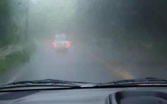 最靠谱的纯电动汽车雨季使用指南 一定要收藏!