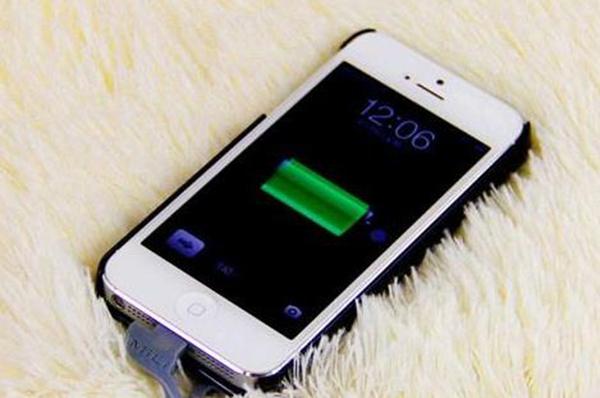 为什么iPhone不能关机充电?