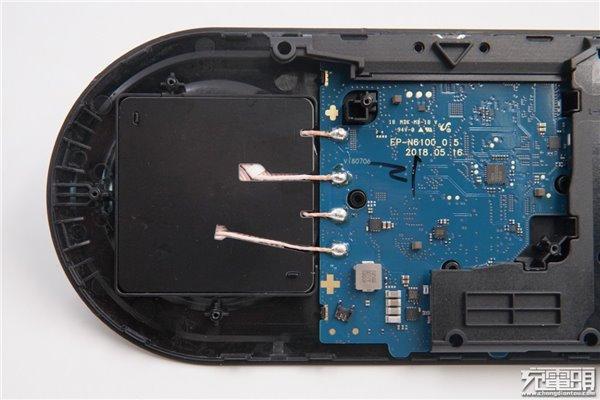 三星双项无线充电底座拆解报告