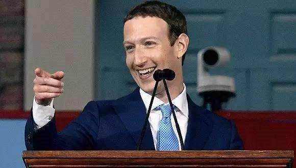 """害怕""""老去""""的Facebook"""