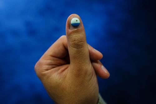 """在指甲上贴一个可穿戴传感器,你的健康状况""""尽收眼底"""""""