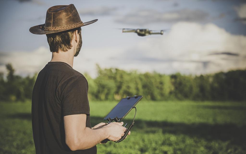 智慧农业大有可为,谁会是农业变革的领导者?