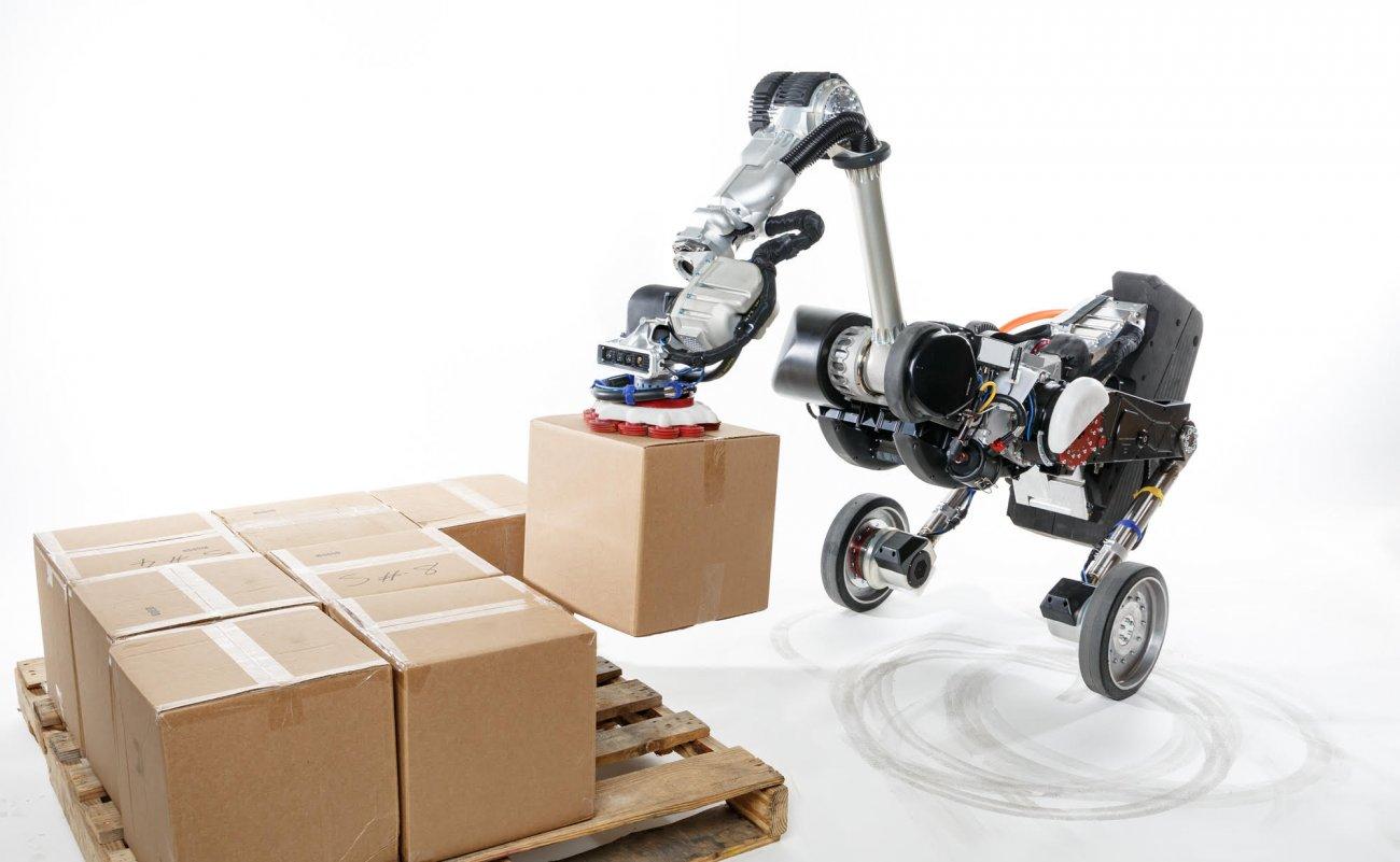 卸垛、搬运和堆垛,鸵鸟机器人一气呵成