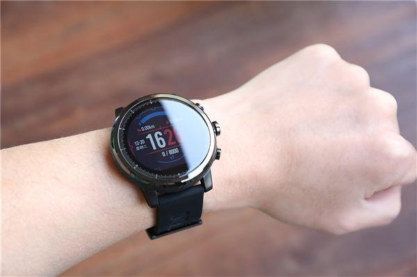 华米、腾讯战略合作:智能手表也能听音乐、聊QQ